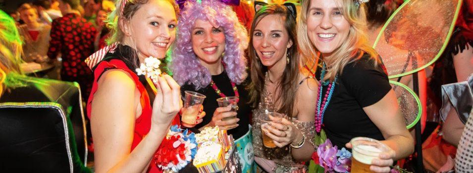 Westlands Carnaval -We bouwe 'n feessie – Ut dak eraf