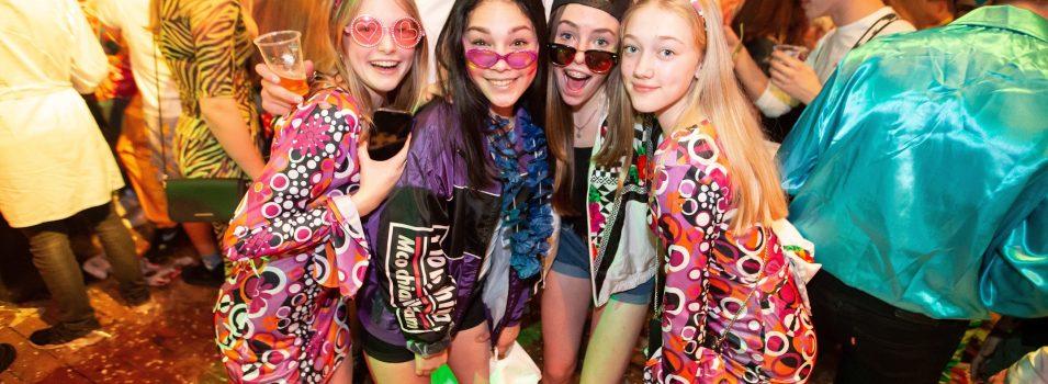 Westland Carnaval- We bouwe 'n feessie -Hakken en Zagen